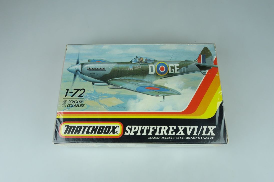 Matchbox 1/72 Spitfire XVI/IX PK-50 prop plane model kit sealed 108880