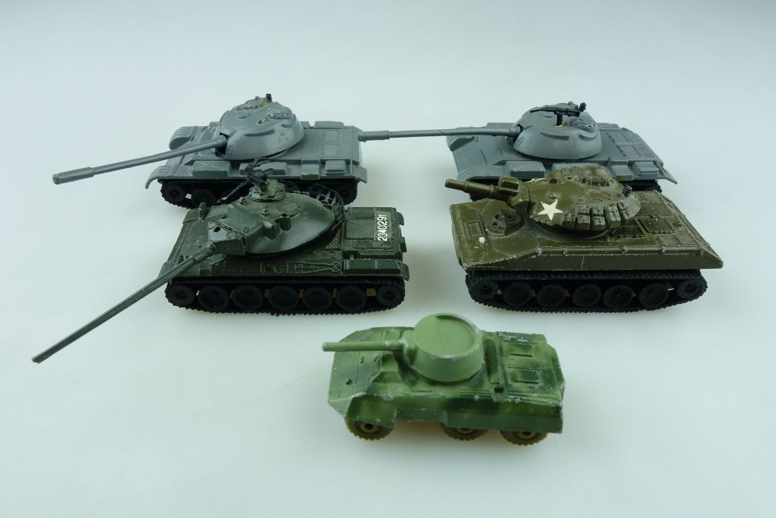 Hong Kong ca. 1/72 Konvolut Panzer Tank Sheridan AMX 30 T-54 Metal 511953