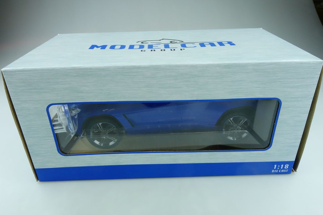Modelcar Group 1/18 Lamborghini Urus SUV bluemetallic mit Box 511965