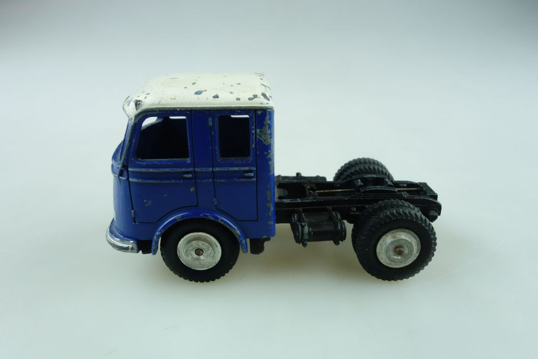 8032 Märklin 1/50 Mercedes Benz LP Zugmaschine ohne Auflieger ohne Box 511985
