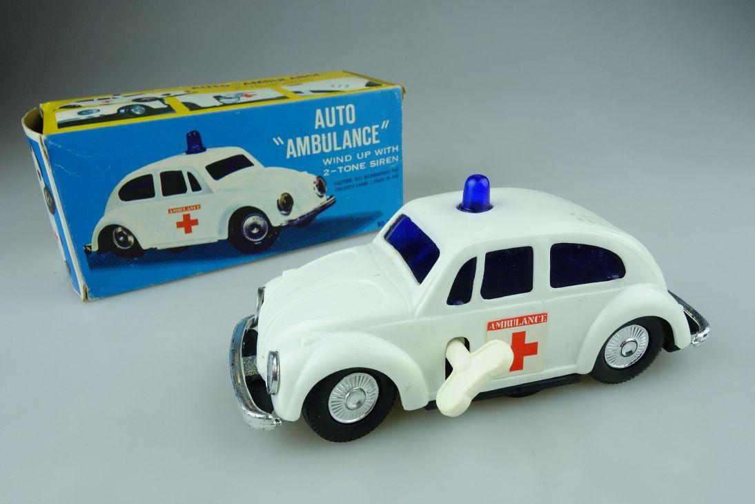 70´s Hongkong toy Volkswagen Käfer Beetle Auto Ambulance wind up car Box 109017