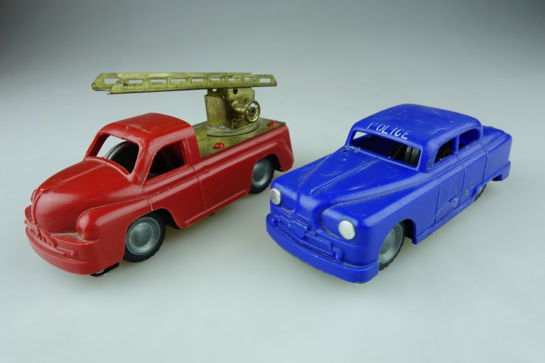 2x Foreign Flim Lemez hungary friction toy Police Firetruck Feuerwehr 109023
