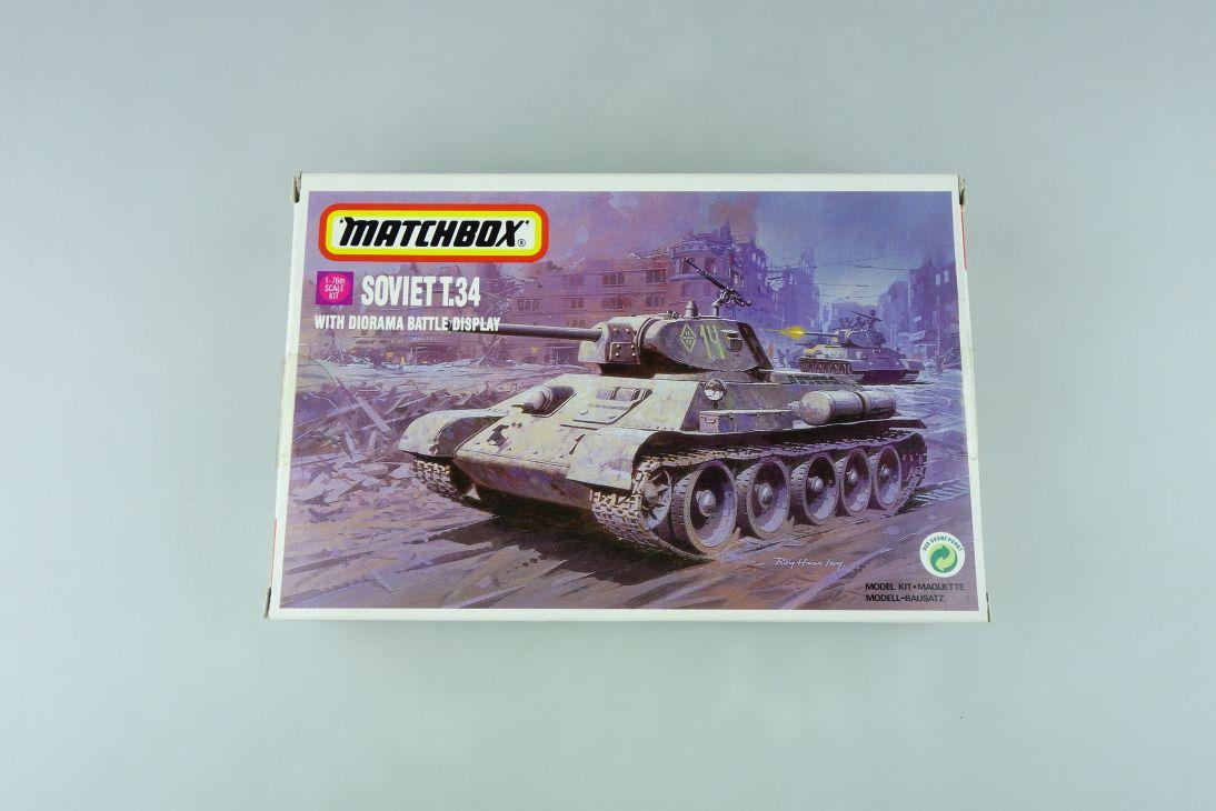 Matchbox 1/76 Soviet T.36/76c Panzer w/ Diorama Battle Display 40082 kit 109033