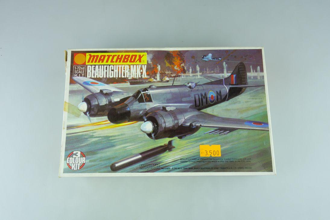 Matchbox 1/72 Beaufighter MK-X PK-103 prop plane model kit 109038