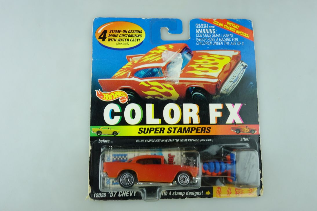 12026 Hot Wheels 1/64 Custom 57er Chevrolet Color FX Super Stampers m Box 512236