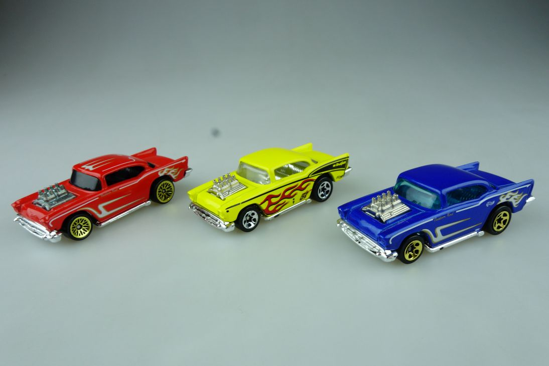 3x Hotwheels 57´ Chevy Malaysia China 1976 gold rims Chevrolet Mattel 109105