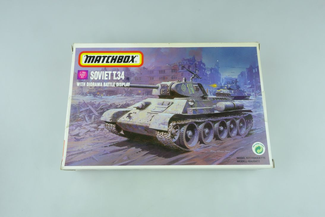 Matchbox 1/76 Soviet T.34 with Diorama Battle Display 40082 model kit OVP 109167