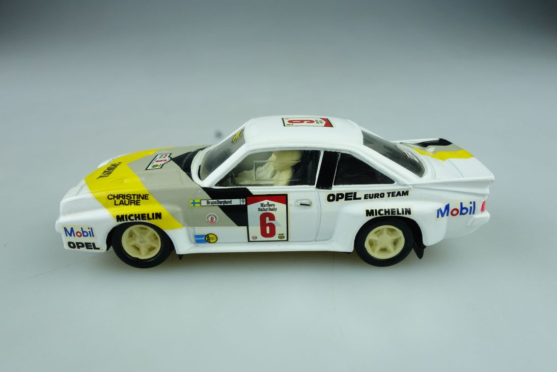 Vitesse 1/43 Opel Manta B 400 Coupe Marlboro Rally C.Laure ohne Box 512299