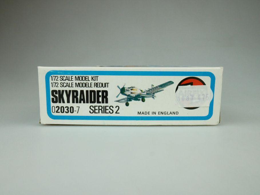 Airfix 1/72 Skyraider No 02030-7 prop plane model kit OVP 109419