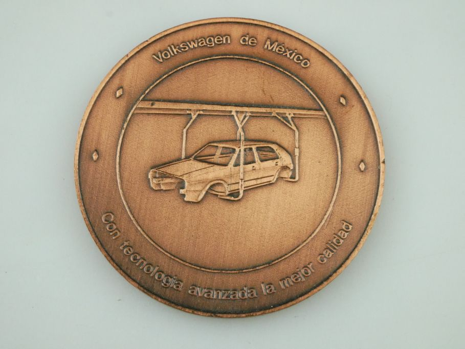 Volkswagen de Mexico Medaille VW Golf medal assembly line construction 109449
