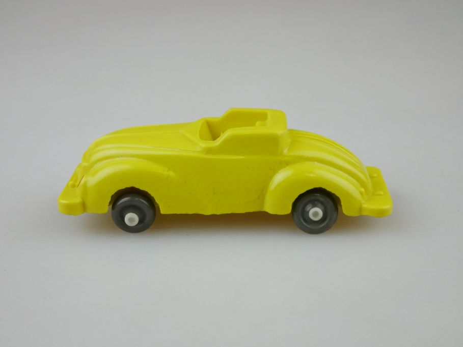 IGES 902 1:87 Sportcabrio 50er gelb DDR Bakelit Modell 109638