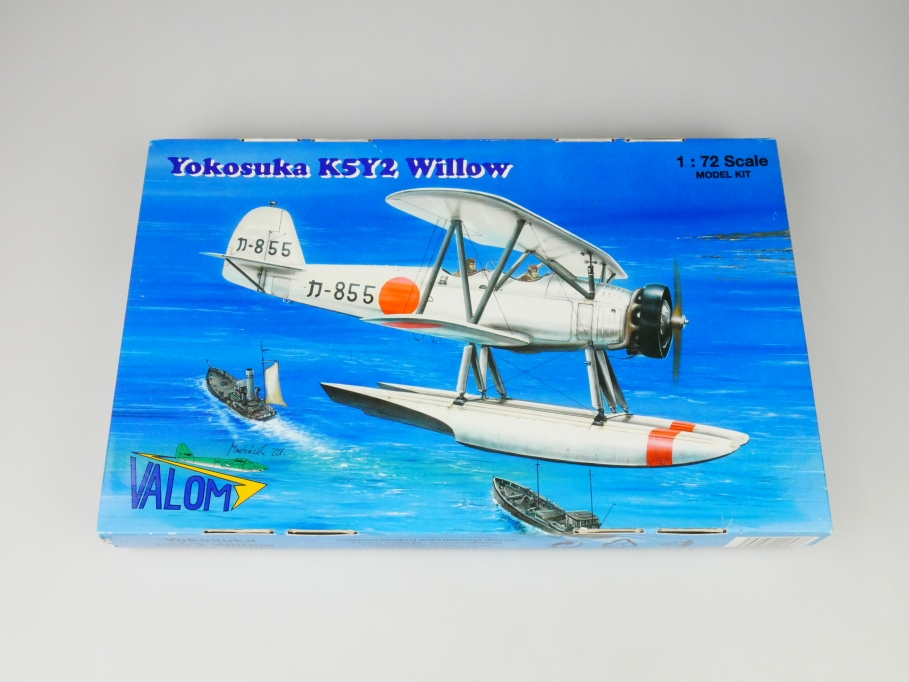 Valom 1/72 Yokosuka K5Y2 Willow No. 72053 plane kit OVP 109748