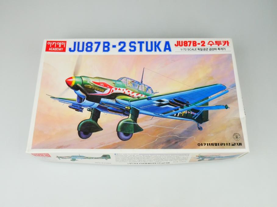 Academy 1/72 JU87 B-2 Stuka No. FA063-3000 plane kit OVP 109751