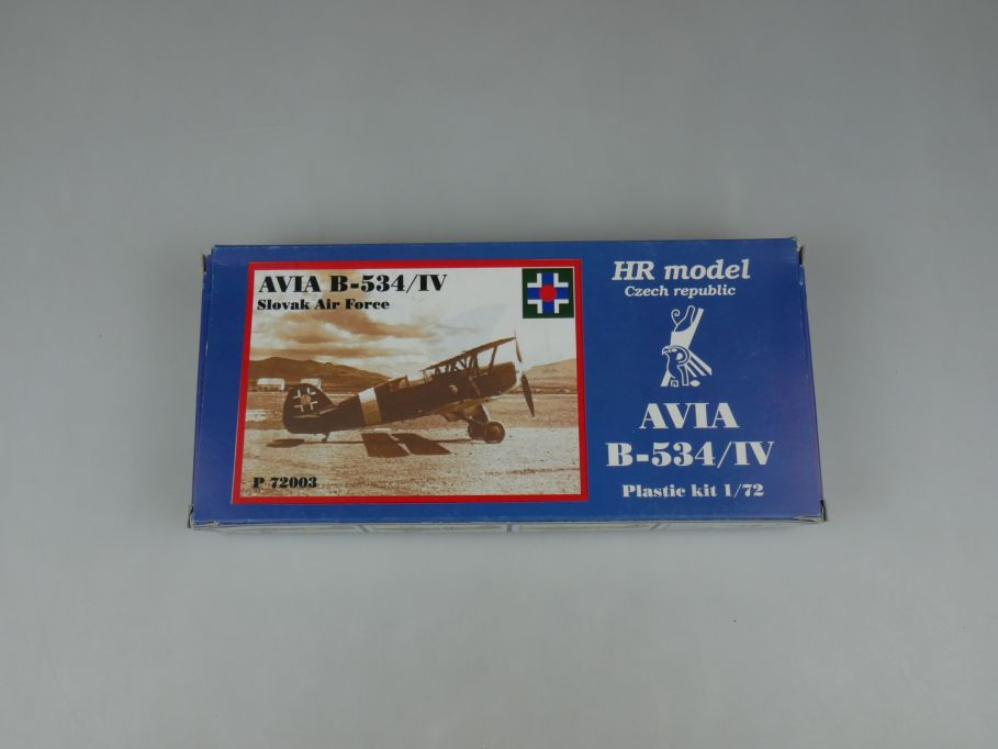 HR model 1/72 AVIA B-534/IV prop plane slovak air force P 72003 kit Box 110276
