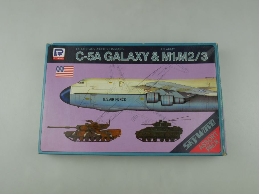 Pit-Road 1/700 C-5A Galaxy & M1. M2/3 US Airlifi Command S-1 OVP kit 110585