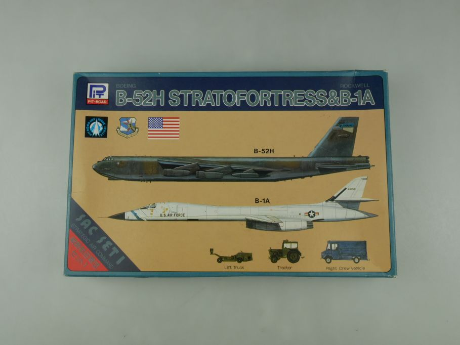 Pit-Road 1/700 Boeing B-52H Stratofortress & Rockwell B-1A S-2 OVP kit 110586