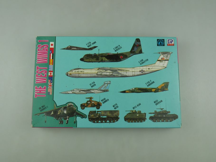 Pit-Road 1/700 The West Wings 1 Set planes and tanks kit S-7 w/ Box kit 110590
