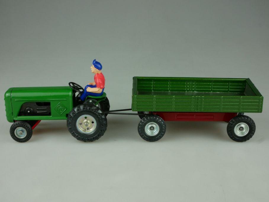 CKO 389 W. Germany Kellermann Blech Farmer Traktor mit Anhänger tin toy 110822