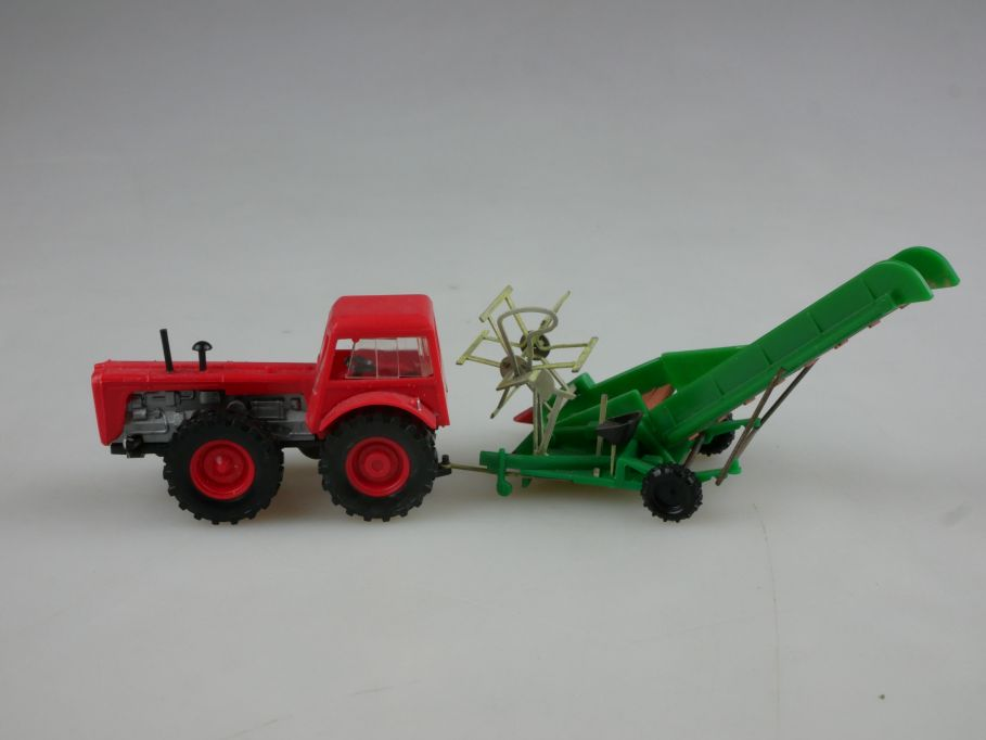 Espewe 91 H0 Dieseltraktor Traktor D 4 K mit Mählader E 062/1 DDR 110926