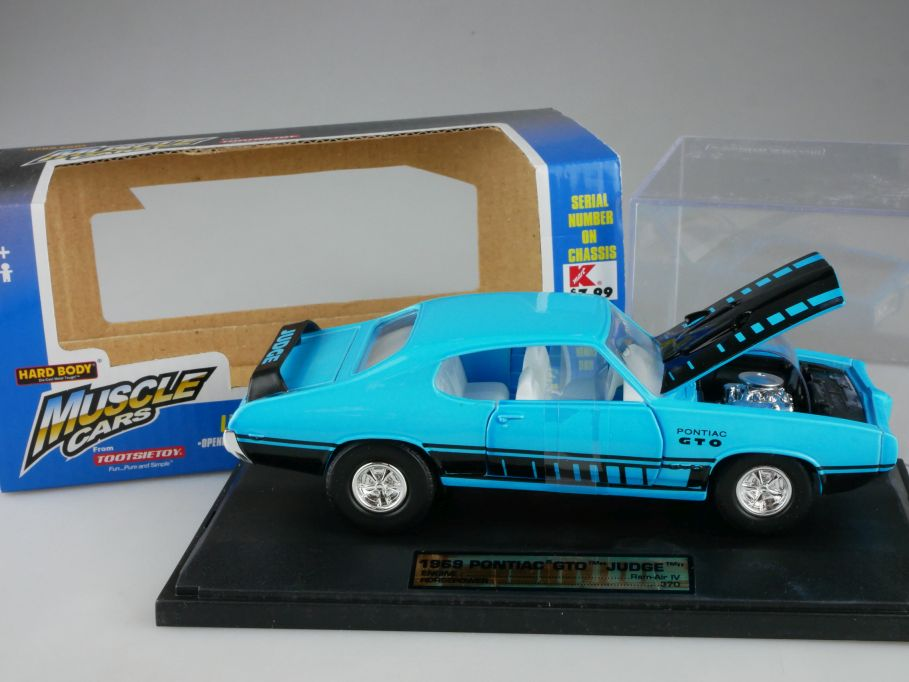 1/32 1969 Pontiac GTO JUDGE Muscle Cars HARD BODY TootsieToy 3281 in Box 111174