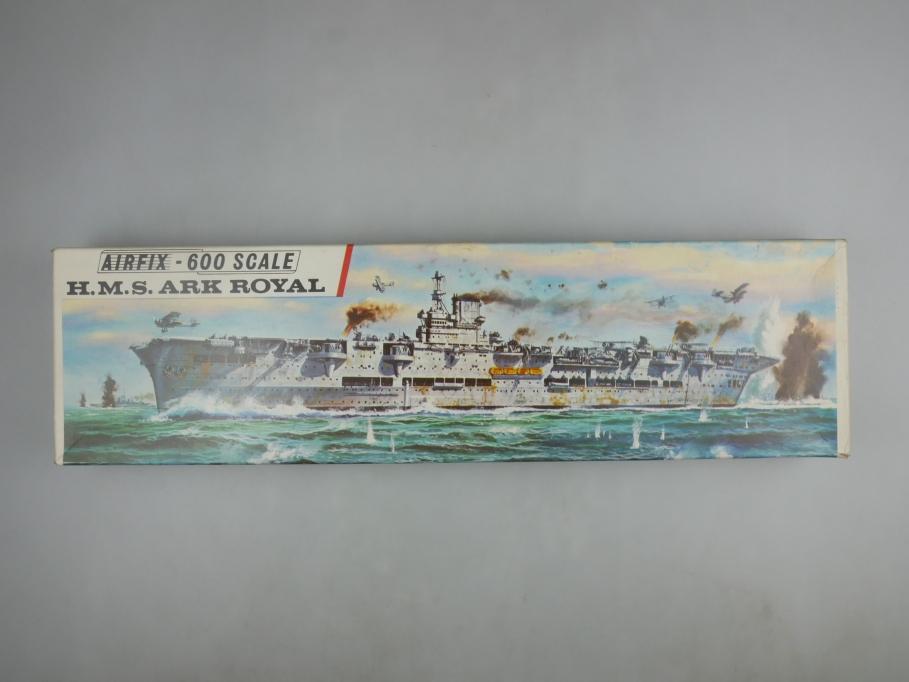 Airfix 1/600 H.M.S. Ark Royal vintage Sammler w/ Box kit 111387