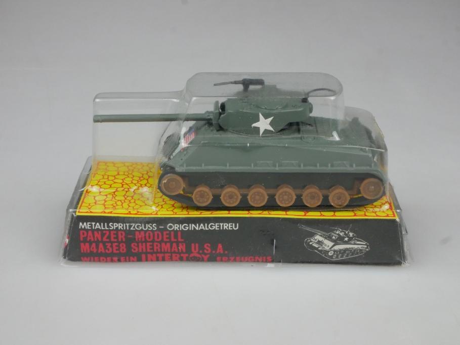 Intertoy 1:90 Metall USA Panzer M4A3E8 Sherman No 155 vintage Blister 111658