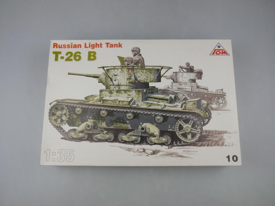 TOM 1/35 Russian Light Tank T-26 B Panzer kit w/ Box 111801