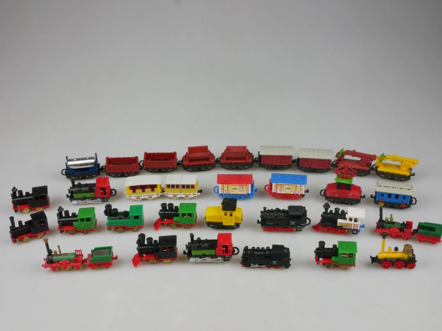Ü-Ei Ferrero Konvolut 16x Lokomotive Loks Western Wagon 33 Teile 111924