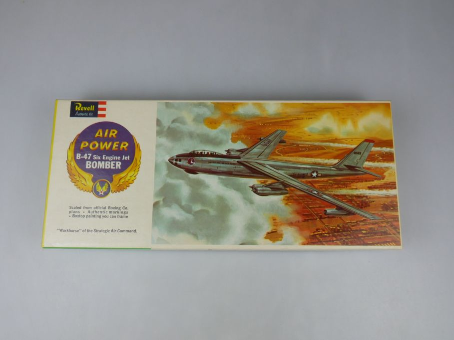 Revell 1/113 B-47 Six Engine Jet Bomber 1961 vintage plane kit w/ Box 111879