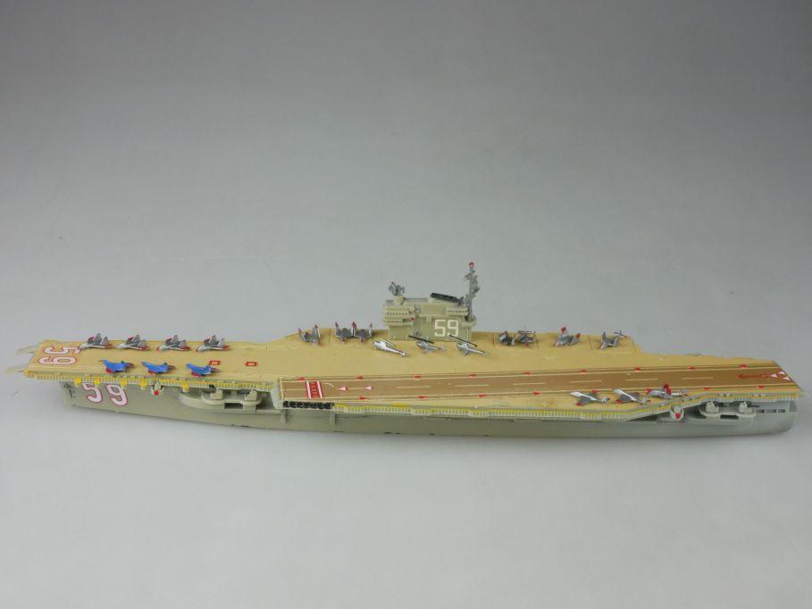 Wiking 1:1250 Kunststoff Flugzeugträger Forrestal Klasse aircraft carrier 112655
