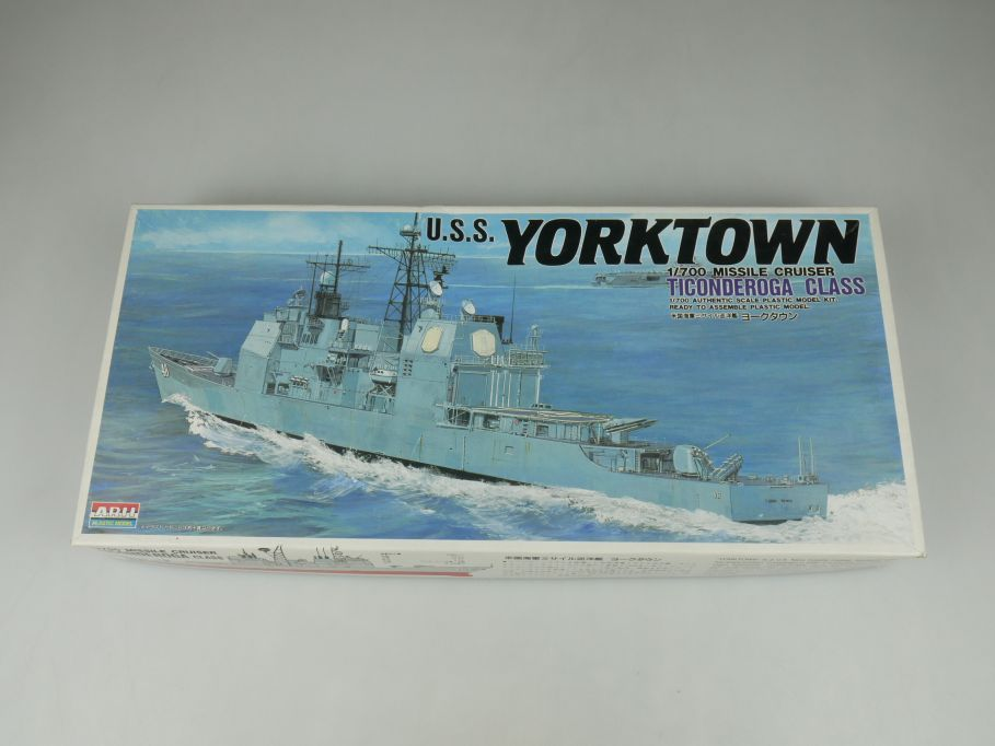 Arii 1/700 U.S.S. Yorktown Ticonderoga Class A945-1000 ship kit w/Box 112817