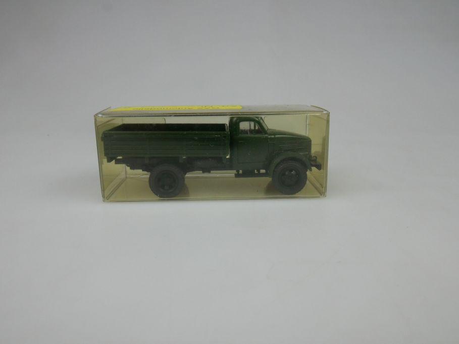 GAZ 1/87 H0 51/ 3324 Tank Militär w/Box 112881