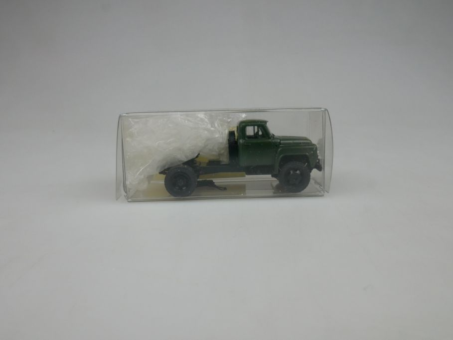 GAZ 1/87 H0 52-06/ 3433 Tank Militär w/Box 112882