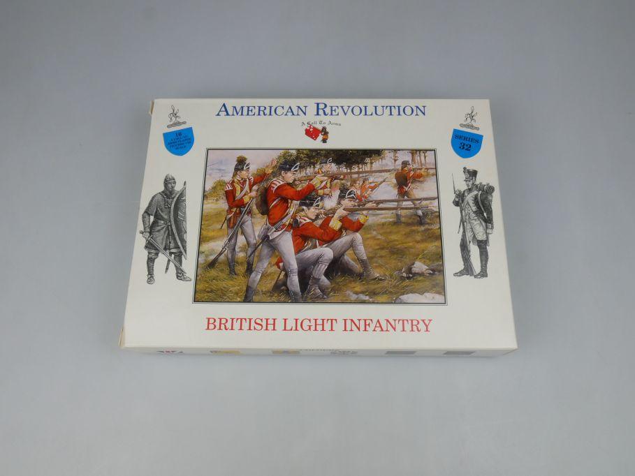 Napoleonic Wars 1/32 Series 32 British Light Infantry Figures kit 113477