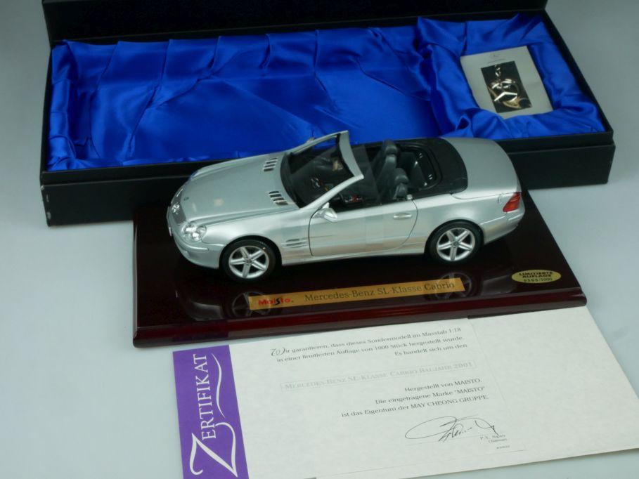 Maisto 1/18 Mercedes Benz SL Cabrio 2001 silber Sockel ldt. Ed. + Box 113497