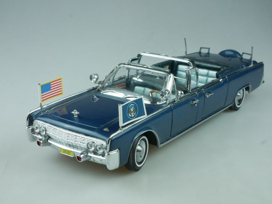 Road Signature 1/24 1961 Lincoln X-100 Kennedy car JFK 24048 Presidential 113548