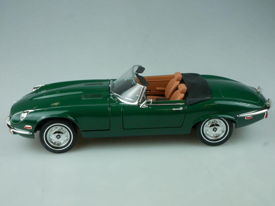 Road Signature 1/18 1971 Jaguar E-Type V12 green diecast model 92608 113549