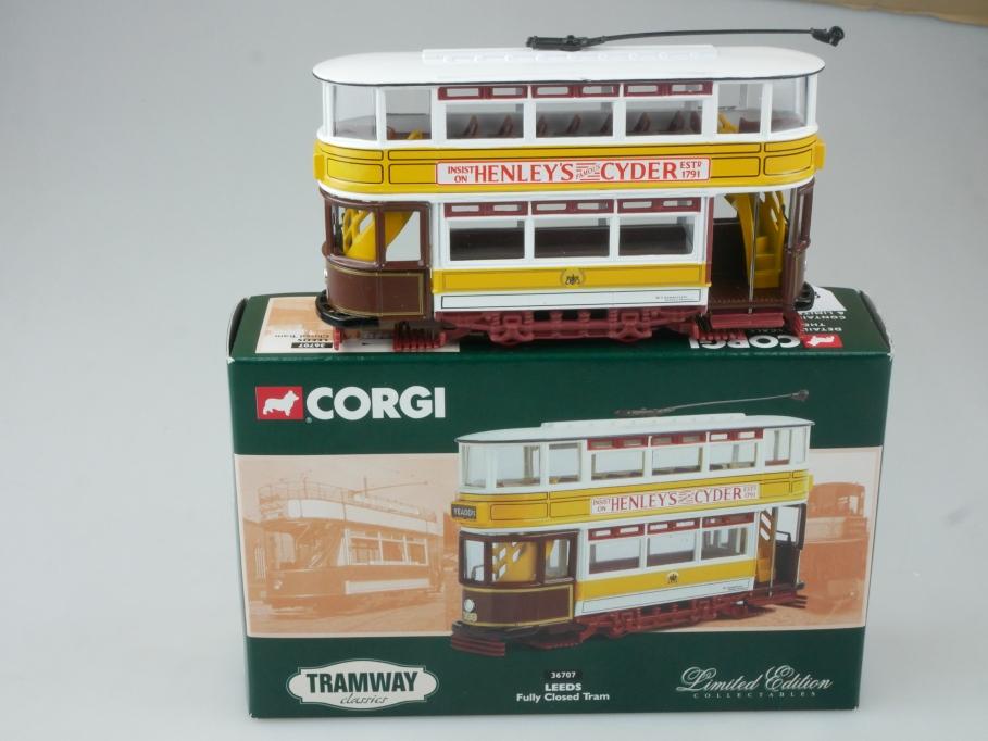 Corgi Classic Tram 36707 LEEDS Fully Closed Tram in Box - 113713