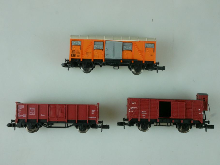 Fleischmann Spur N 8355 8205 8831 off. + gedeckter Güterwagen Bremserhaus 113901