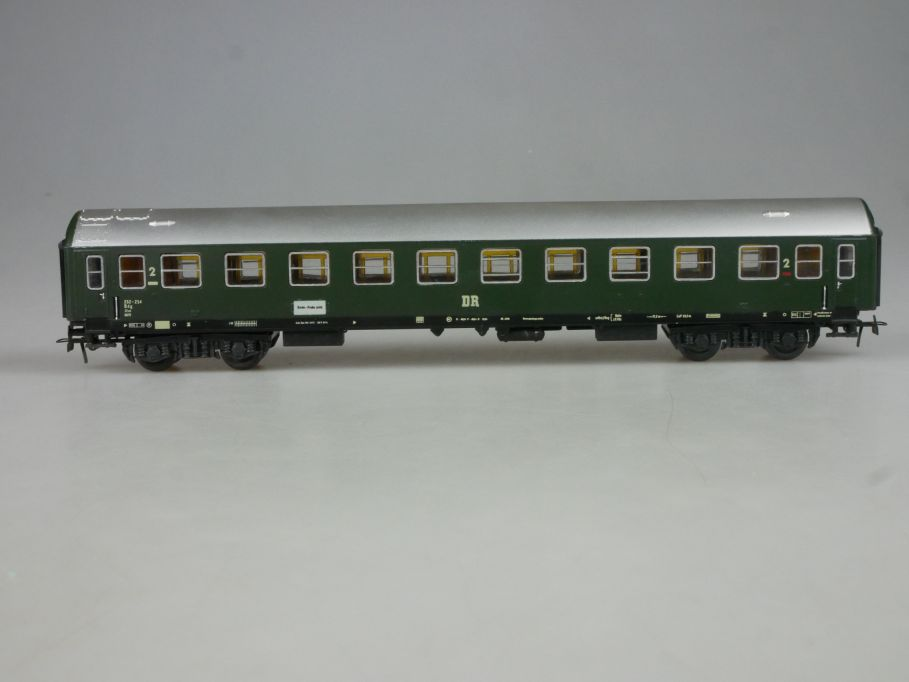 Piko H0 Schicht DC Personenwagen 2 Kl. Y-Wagen der DR mit Beleuchtung PFR 114069