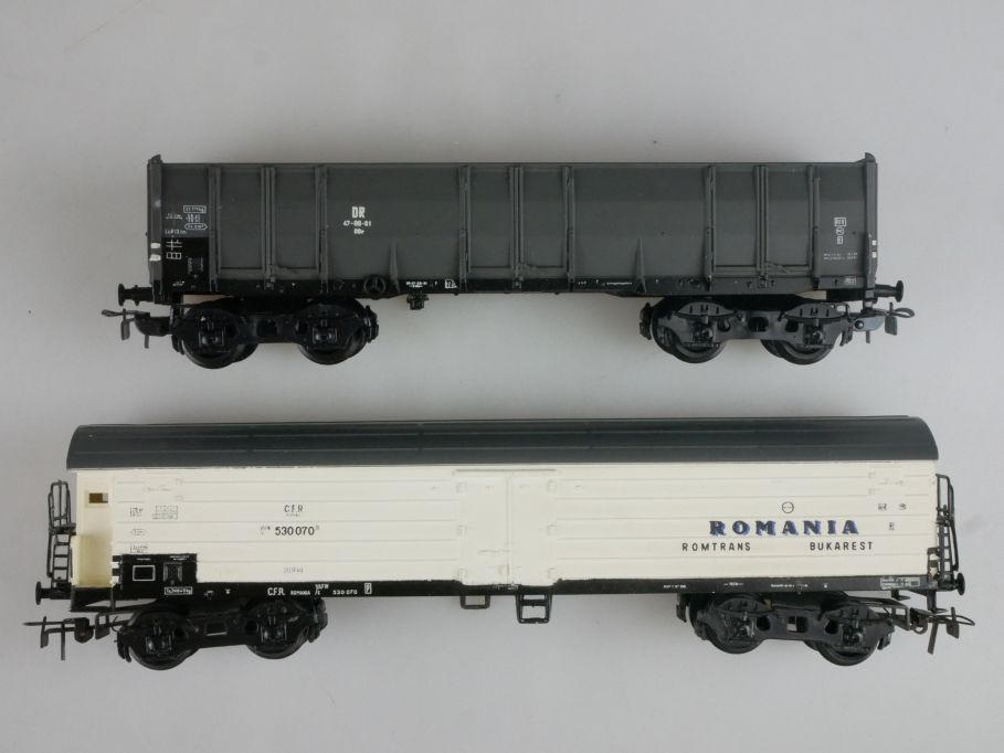 Piko H0 DC 2x Güterwagen grau der DR Kühlwagen ROMANIA der CFR PFR 114083