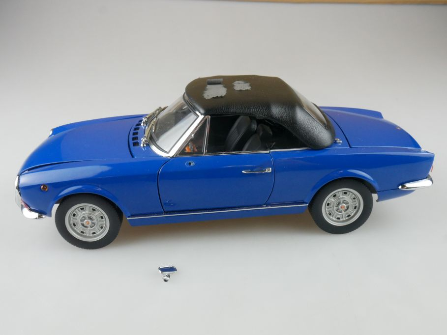 Sun Star 1/18 Fiat 124 Sport Spider Modellauto ohne Box - 114208