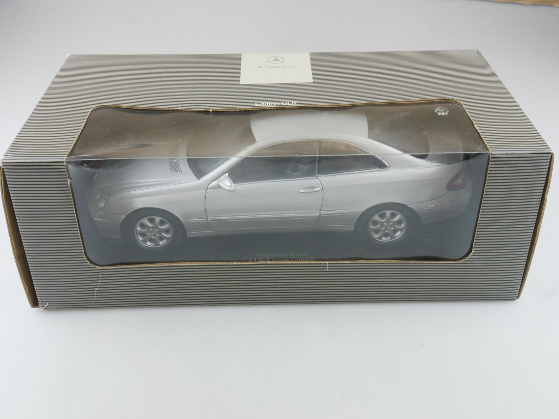 KYOSHO 1/18 Mercedes Benz CLK-Klasse C209 Coupé Modellauto B66962144 Box 114188