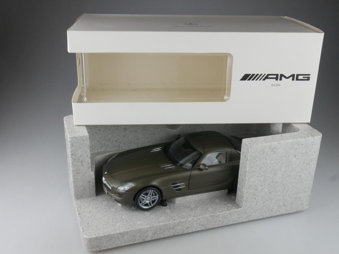 Minichamps 1/18 Mercedes Benz SLS COUPE 6.3 AMG C197 Monzagrey Magno Box 114189